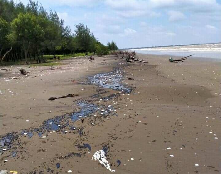 Selidiki Temuan Oil Spill, PHE Mengecek Kondisi Fasilitas di Perairan Karawang