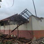 Sekolah di Karawang Kembali Ambruk, Kini Menimpa SDN Rengasdengklok Selatan VI