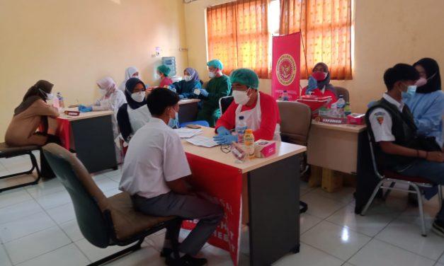 3000 Siswa Jadi Sasaran Vaksinasi Massal BIN di SMKN 1 Karawang